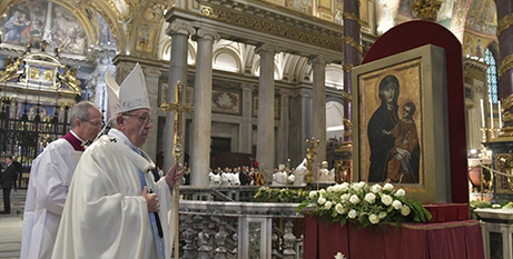 Pope Francis with an icon of Mary in the Basilica of St Mary Major (Vatican Media)