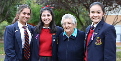 Sr Anne Gardiner with Our Lady of the Sacred Heart students (The Southern Cross)