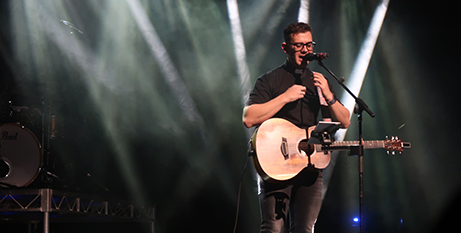 Fr Rob Galea performing in Melbourne on Sunday (Melbourne Catholic)