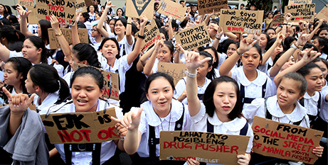 Catholic students protest the war on drugs in Manila, July 2017 (CNS/Romeo Ranoco, Reuters)