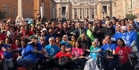 Cardinal Luis Tagle (centre) with people participating in the Share the Journey walk on Sunday in Rome (Vatican News)