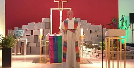 A same-sex blessing service at the Youth Church in Würzburg, Germany, on Monday. (Gehrig/CNA Deutsch).