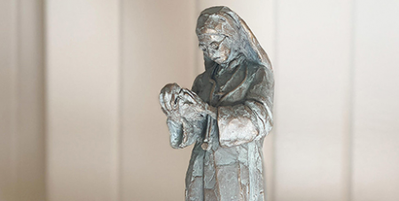 A bronze maquette of Dr Sr Mary Glowrey by Darien Pullen (Melbourne Catholic/Fiona Basile)