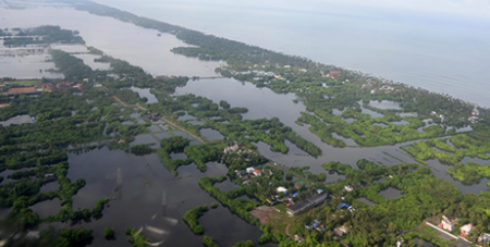 Flooding in Kochi in the state of Kerala, India (Indian Navy via Twitter/anadans76)