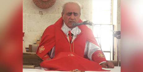 Archbishop Jacques Behnan Hindo celebrating Mass in 2012 (Aid to the Church in Need)