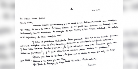 The handwritten letter from Pope Francis  (Crux/Twitter, Victoria Morales Gorleri)